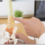 右腰痛の原因は2つある?内蔵の病気の可能性?