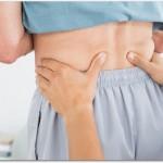 腰痛のツボは手の甲だけではない?腰付近の腎愈、三焦愈、大腸愈、志室やへその裏側にある命門、足首全面中央にある解谿も効果あり