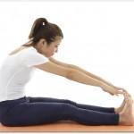 腰痛に伴う足のしびれの対処法とは?ストレッチと器具を使って足の付け根部分やふとももやふくらはぎの裏側を揉み解すと効果的?