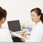 腰痛のときに出血が起こったら女性特有の病気かも?子宮がんの初期症状や子宮内膜症の可能性があるので病院に行こう
