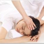耳つぼは肩こりにも腰痛にも効果がある?腰痛帯と耳の一番上にあるくぼみをマッサージすると良い?