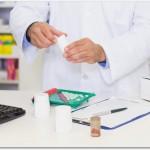 ロキソニンを含んだ鎮痛剤は腰痛時に薬局ですぐ購入できるので良い?辛い時に痛みを緩和できるので頼りになります