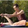 腰痛にはバスタオルを使ったストレッチが良い?枕のようにして腰の下に入れ仰向けに寝てストレッチすると腰痛改善だけでなく肩こりにも効果がある?