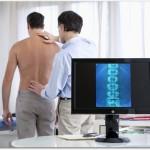 腰が痛い原因には何があるの?ひとつではなく複数ある?改善できるの?