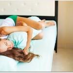 腰痛改善の寝方は抱き枕が良い?私は体を真っ直ぐ伸ばして寝て良くなりました