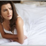 腰痛の症状で吐き気と微熱のあるものは?慢性腎盂腎炎や妊娠初期症状かも?