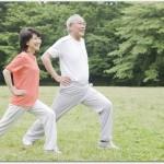 高齢者の朝の腰痛を楽にするには?寝る前と起きた後に体操をすると良い?