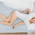 腰痛ベルトは就寝時にも付けて大丈夫?伸び縮みする簡易型なら窮屈ではない?