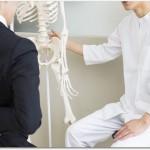 腰痛ベルトは接骨院などを受診した上でスギ薬局などで購入するのが良い?