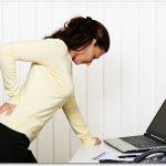腰痛はストレッチで良くなる?幼稚園教諭の私が気を付けていること。