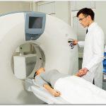 腰痛でMRIを撮ると白い影が!26歳でがんセンターを紹介されるも…。